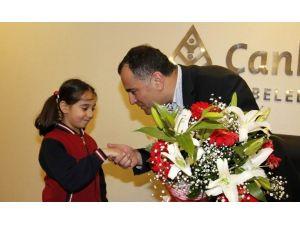 Başkan Taşdelen İlkokul Öğrencilerini Makamında Ağırladı
