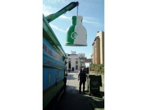 İzmit'te Cam Kumbaralar Çevre Temizliğine Yardım Ediyor