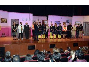 Türk Dünyası Tiyatro Günleri Devam Ediyor