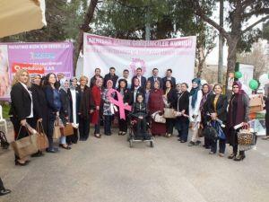 Akhisar'da 820 Kadın Kanser Taramasından Geçti