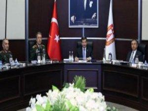 Davutoğlu'ndan Müjde: Türkiye'nin İlk Milli Piyade Tüfeği Seri Üretime Geçiyor