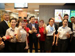 Ünlü fast food zinciri Kazakistan'da ilk şubesini açtı