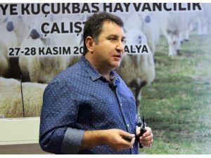 """Çanakkale İli Damızlık Koyun Keçi Yetiştiricileri Başkanı Savran: """"Tüketici 9 TL'ye Süt İçiyor Ama Üretici Kazanmıyor"""""""