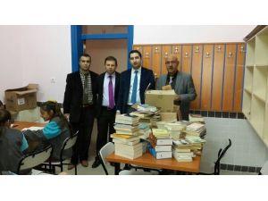 Kulukardeş Okul Kütüphanesine Bin Kitap Hediye
