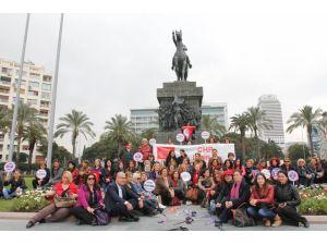CHP'lilerden kadına yönelik şiddete karşı 'kravatlı' eylem
