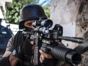Yüksekova'da Operasyon! İlçe, Silah ve Patlama Sesleriyle İnliyor