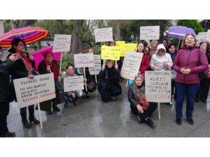 Çanakkale'de Kadın Cinayetleri Ve Tecavüzlerine Tepki Eylemi
