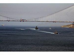 Rus Savaş Gemisine Türk Firkateyni Eşlik Etti