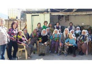 CHP Ödemiş Kadın Kollarından 8 Mart Ziyareti