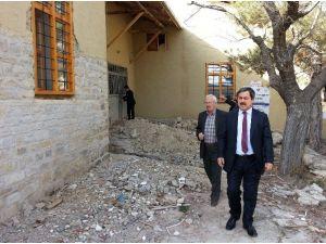 Darende Belediye Başkanı Dr. Süleyman Eser, Kent Müzesinde İncelemelerde Bulundu