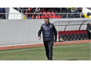 Tavşanlı Linyitspor teknik direktörü görevinden istifa etti
