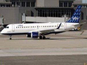 Hostesin Bakışlarını Beğenmediği İki Müslüman Kadın Uçaktan İndirildi