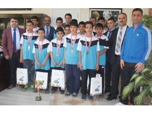 Kırekin'den Türkiye Birincilerine Ödül