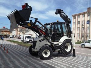 Bilecik Yenipazar Belediyesi Yeni Bir İş Makinesi Aldı