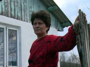 Kadınlar gününde çiçek vermediği için kocasının cinsel organını kopardı