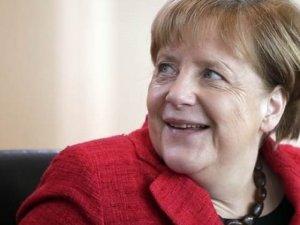 """Merkel: """"Türkiye ile anlaşamazsak, Yunanistan kaldıramaz"""""""