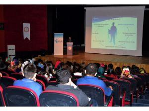 Öğrencilere iş arama yöntemleri anlatıldı
