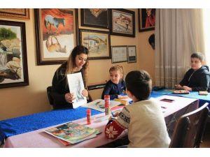 Ressamlar Derneği'nin Kurslarına Çocuklardan Yoğun İlgi