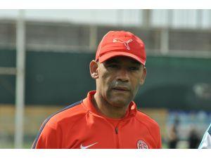 Antalyaspor Teknik Direktörü: Bursa maçını kazanacağız