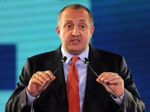 Gürcistan Cumhurbaşkanı: Büyük devletlerin etkisi altında yaşamak istemiyoruz