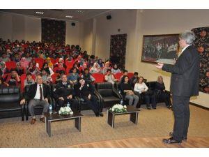 Payas'ta Öğrencilere İnternetin Zararları Anlatıldı