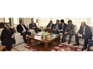 Ege'deki Dadaşlar Başkan Sekmen'i Ziyaret Etti