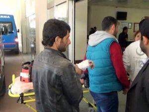 Elektrik Direğine Kablo Bağlamaya Çalışan İşçiler Akıma Kapıldı