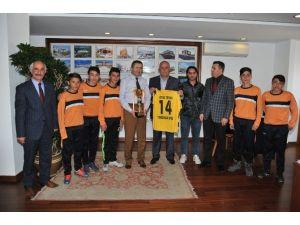 Başkan Tiryaki Yenidoğanspor'u Ağırladı