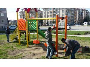 Çocuk oyun parklarında bahar temizliği