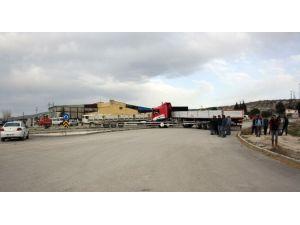Mahkeme, Sahipleri Tarafından Kapatılan Özel Mülk Alanındaki Yolun Açılması Kararını Verdi