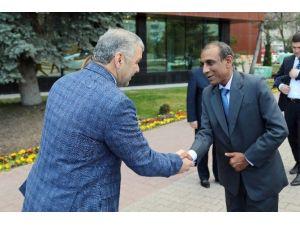 Hindistan Büyükelçisi Kulshreshth, Başkan Çelik'i Ziyaret Etti