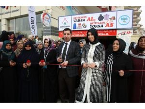 Karaköprü'de Askıda Giysi Kampanyası