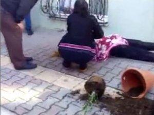 Saksılı Müdahale! Kocasının Saldırısına Uğrayan Kadını Yine Kadınlar Kurtardı