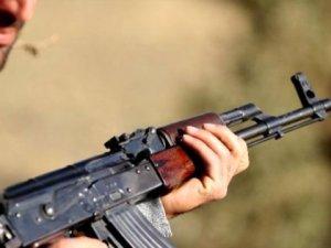 Vatansever Baba! Terör Suçundan Aranan Oğlunu Irak'tan Getirdi, Jandarmaya Teslim Etti