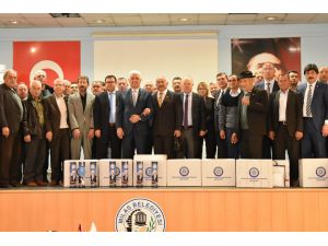 Muğla Büyükşehir'den okullara satranç takımı