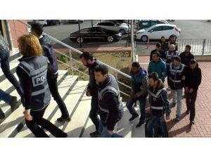 Ayvalık'ta 7 Organizatör Tutuklandı