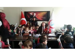 Minik Öğrencilerden Başhekim Kılıçaslan'a Ziyaret