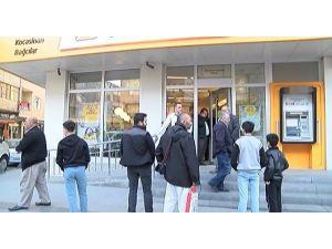 Bağcılar'da Güpegündüz Banka Soygunu