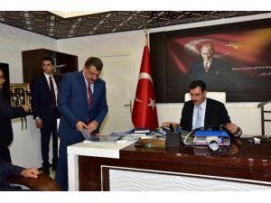 Bakan Tüfenkci, Battalgazi Belediyesi'ni Ziyaret Etti