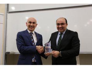 """HKÜ'de """"Suriye Bağlamında Bölgesel Ve Küresel Güçlerin Ortadoğu Politikası"""" Ele Alındı"""