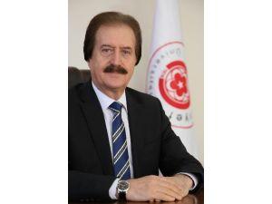 CÜ Rektörü Kocacık'tan İstiklal Marşı'nın Kabulünün Mesajı