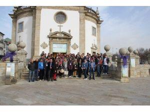 Yurtdışından Dönen Öğrencilerden Kaymakam Erkan'a Ziyaret