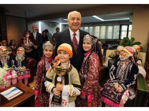 Tubil'in Minik Yıldızları Yaşar'ı Ziyaret Etti
