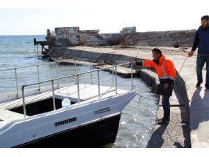 Didim'de İsimsiz Ve Sahipsiz Tekneler Kaldırılıyor
