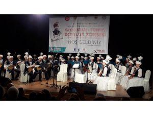 Kazak Orkestrası'ndan dombralı İstiklal Marşı sürprizi