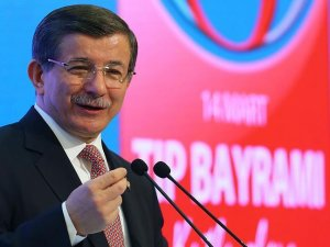 Başbakan Davutoğlu'ndan sağlık çalışanlarına müjde