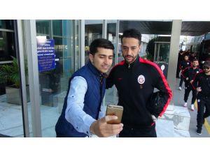 Galatasaray, Gençlerbirliği maçı için Ankara'ya gitti