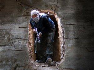 Suriye'de muhalifler Yan Yaban'ın kontrolünü ele geçirdi