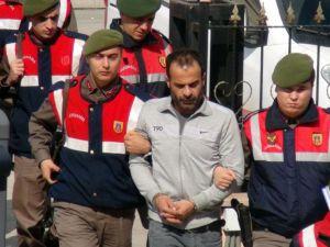 Sınırda hırsızlık yapan iki kaçak, jandarmanın operasyonuyla yakalandı
