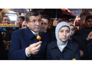 Başbakan Davutoğlu Van Esnafını Ziyaret Etti